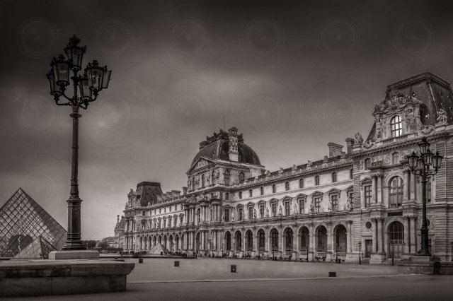 Cloudy Le louvre B&W-DRI-Getty-Finale
