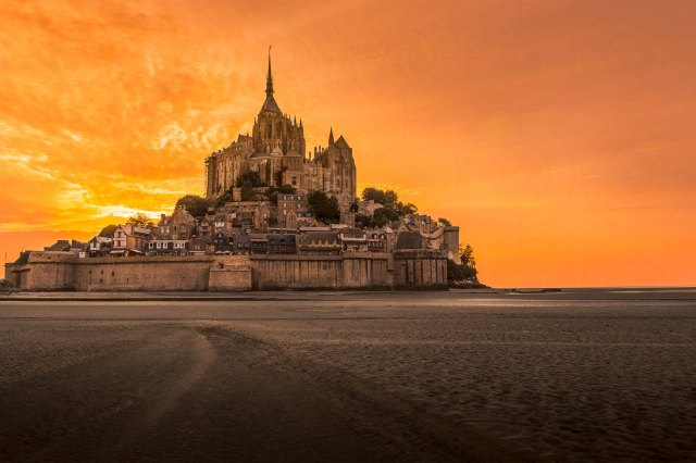 Mont St-Michel Sunset DRI-Getty-Finale