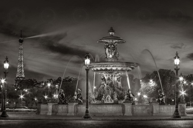 Place de la Concorde at night-B&W-DRI-Getty-FINALE