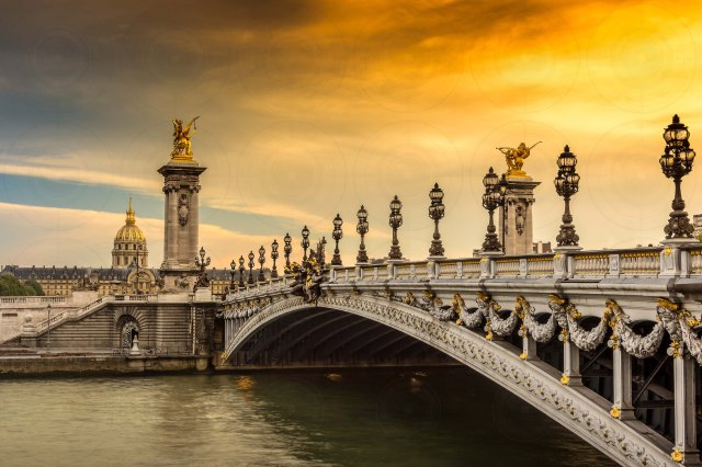 Pont Alexandre III Sunset-DRI-Getty-Finale