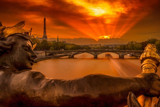 Pont Alexandre III Sunset III-DRI-Getty-Finale_2