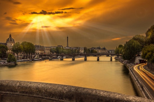 Pont des Arts Sunset-DRI-Getty-Finale