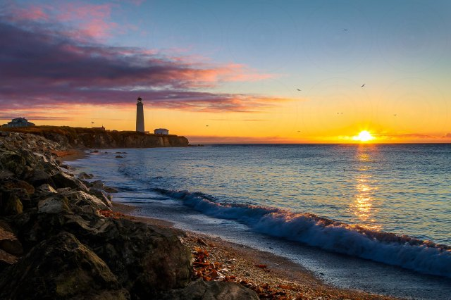 Cap-des-Rosiers lighthouse_Sunrise_DRI