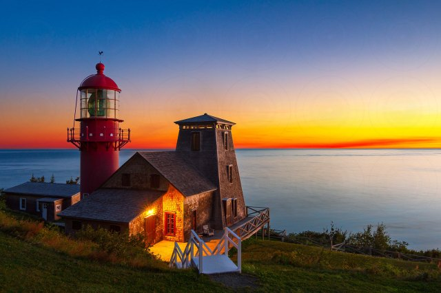 Pointe-à-la-Renommée_lighthouse _sunrise-DRI