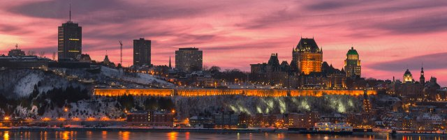Quebec_city_winter_sunset_pano_DRI